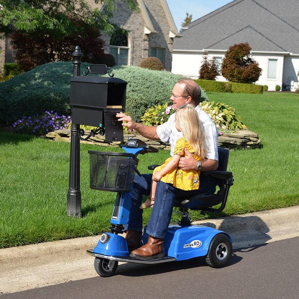 amigo_mobility_rd_personal_electric_scooter_in_home_senior_care_facility_mailbox