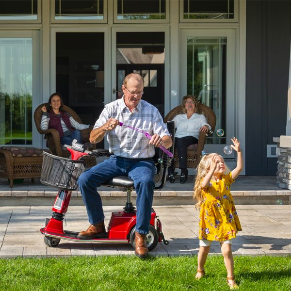 amigo_mobility_rtx_personal_electric_scooter_in_home_senior_care_facility_granddaughter